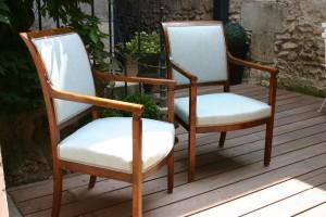 Tissus Panama curaçao de chez Nobilis pour ces deux fauteuils Empire